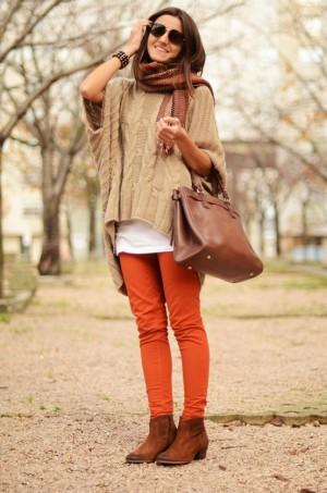 Colouredjeansandchunkysweater